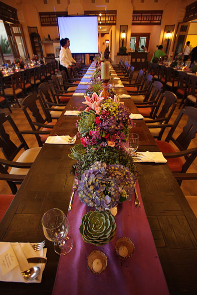 Use of long tables for the wedding reception